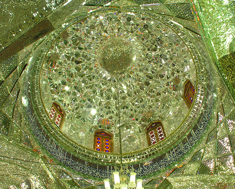 Самая красивая мечеть в Иране. Фото зеркально мечети Шах Черах в Ширазе