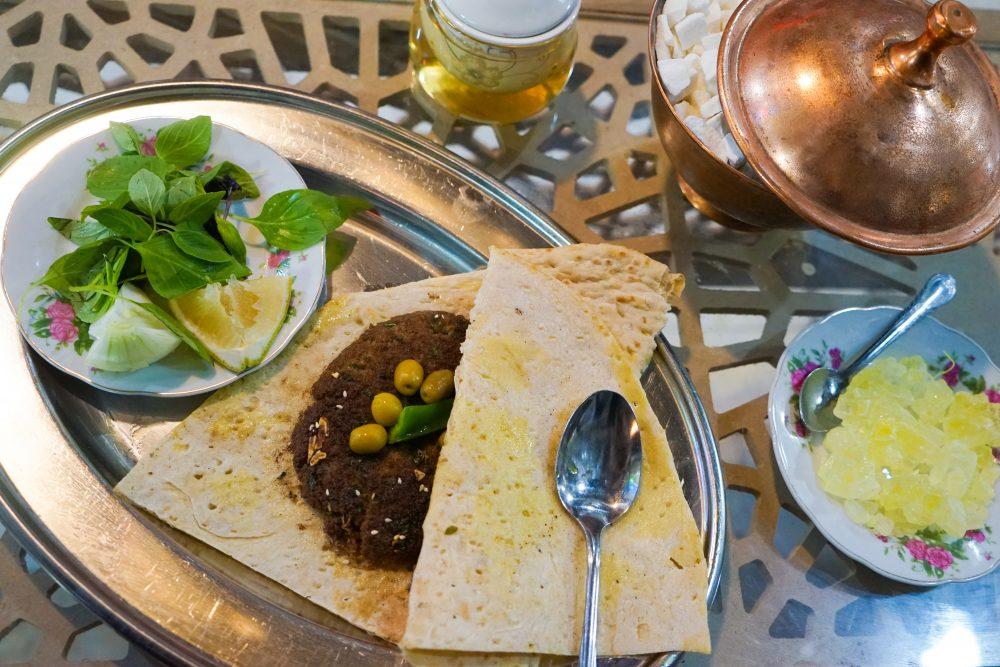 Что посмотреть в Исфахане: традиционные рестораны с софре. Про Иран в блоге bazariran.ru