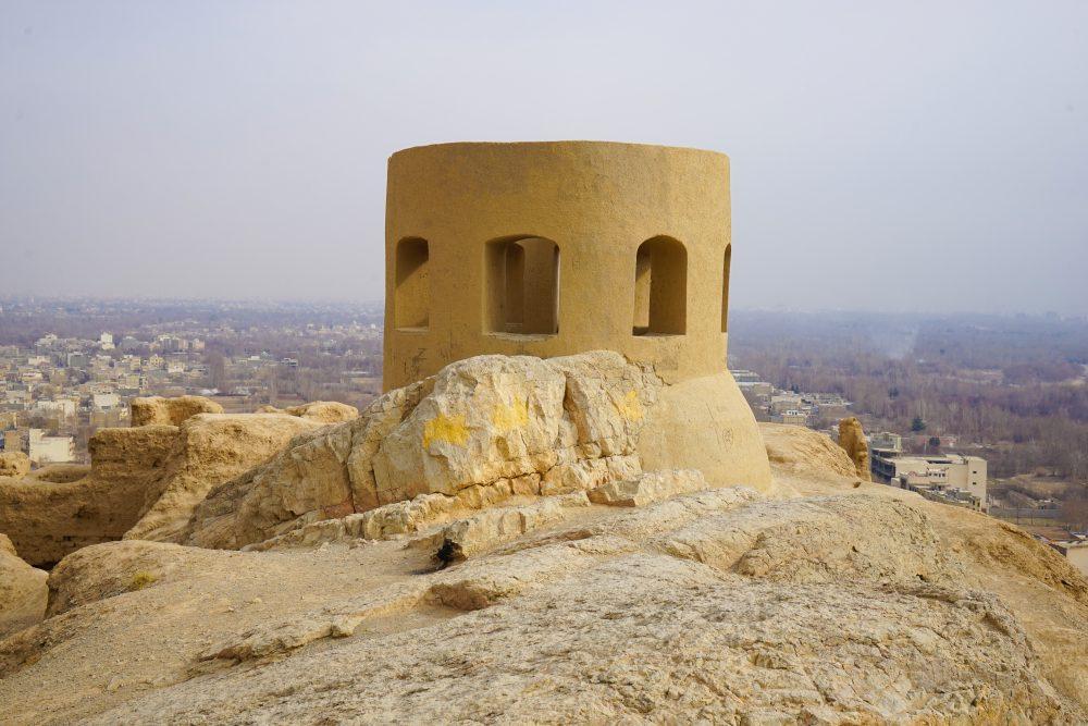 Что посмотреть в Исфахане: башня огня над городом. Про Иран в блоге bazariran.ru