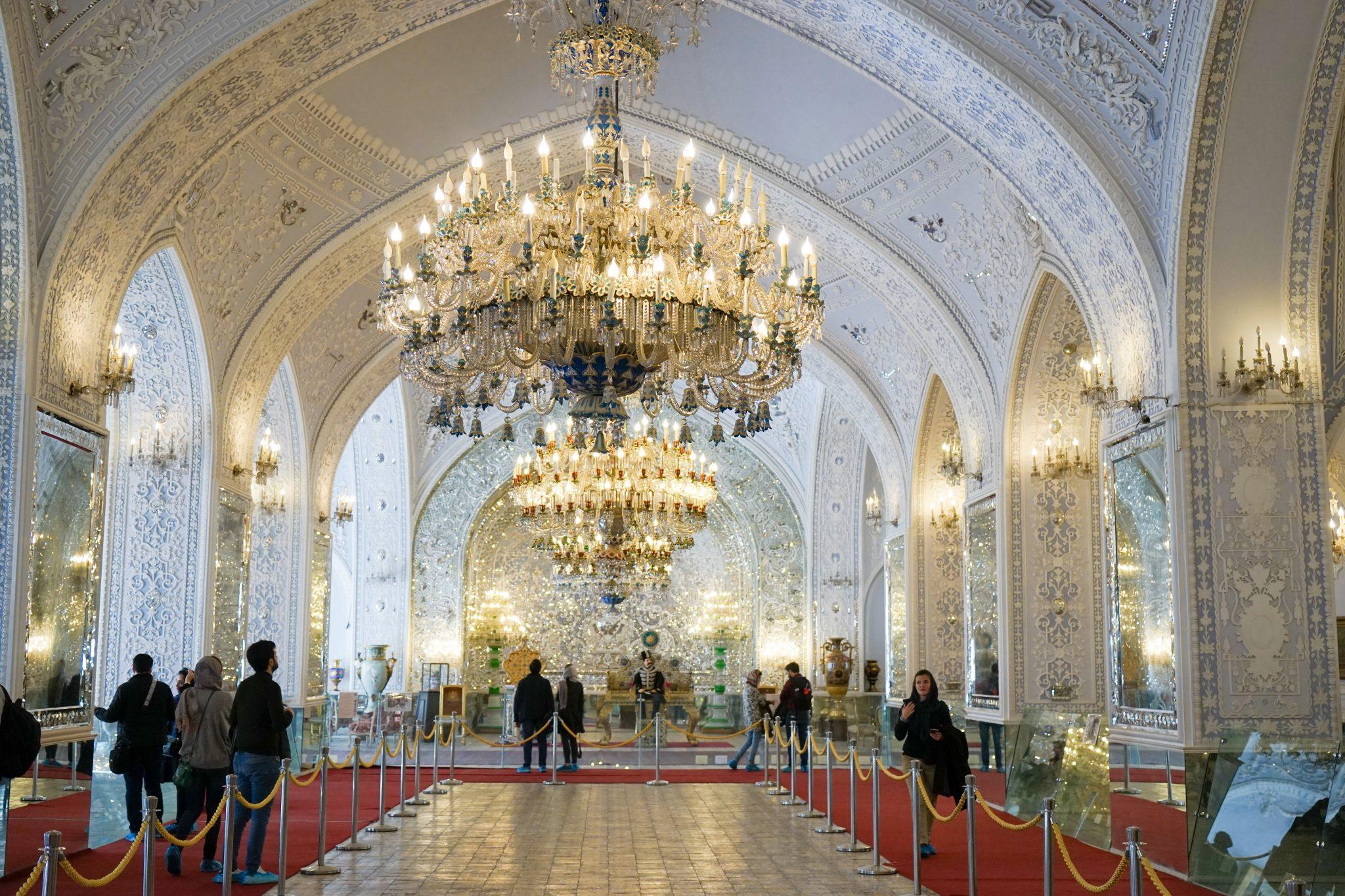 Что посмотреть в Тегеране: дворец Голестан. Еще больше про Иран в блоге Bazariran.ru