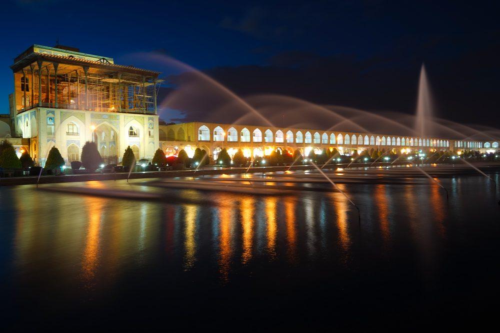 Что посмотреть в Исфахане: дворец Али Капуу. Про Иран в блоге bazariran.ru