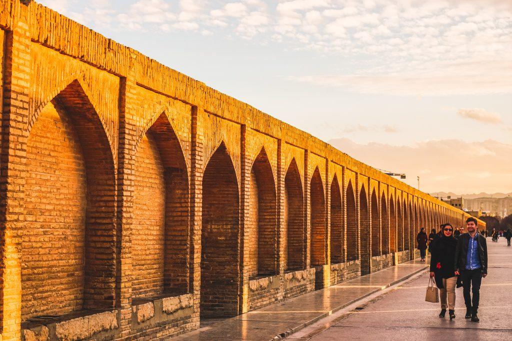 Что посмотреть в Исфахане: мосты через реку Заянде Руд. Про Иран в блоге bazariran.ru