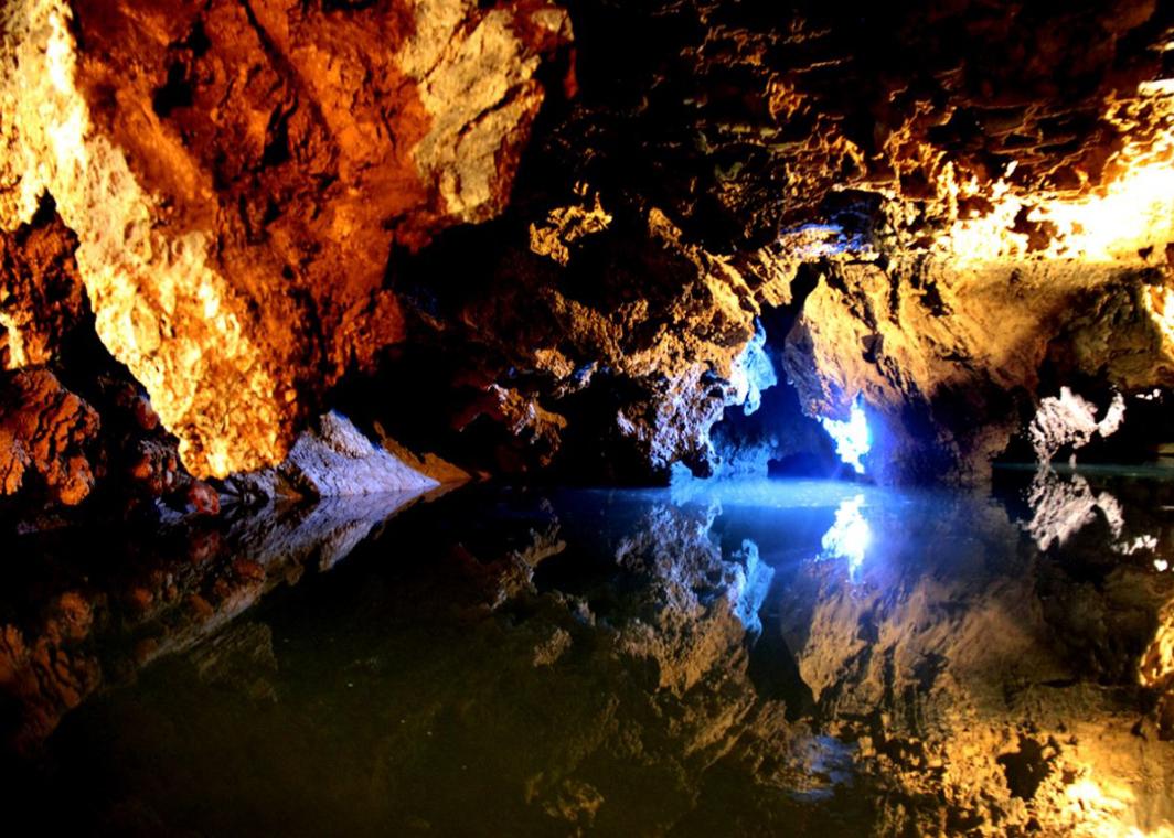 Пещера Али-Садр Иран 2