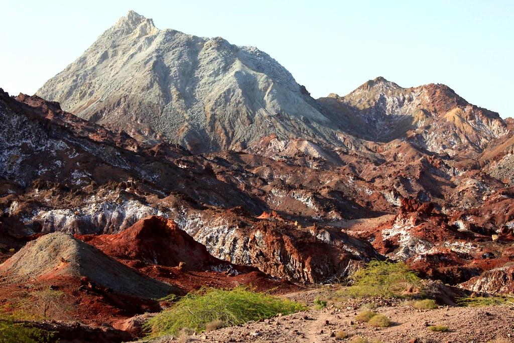 Радужная долина на острове Ормуз. Природа Ирана в блоге bazariran.ru