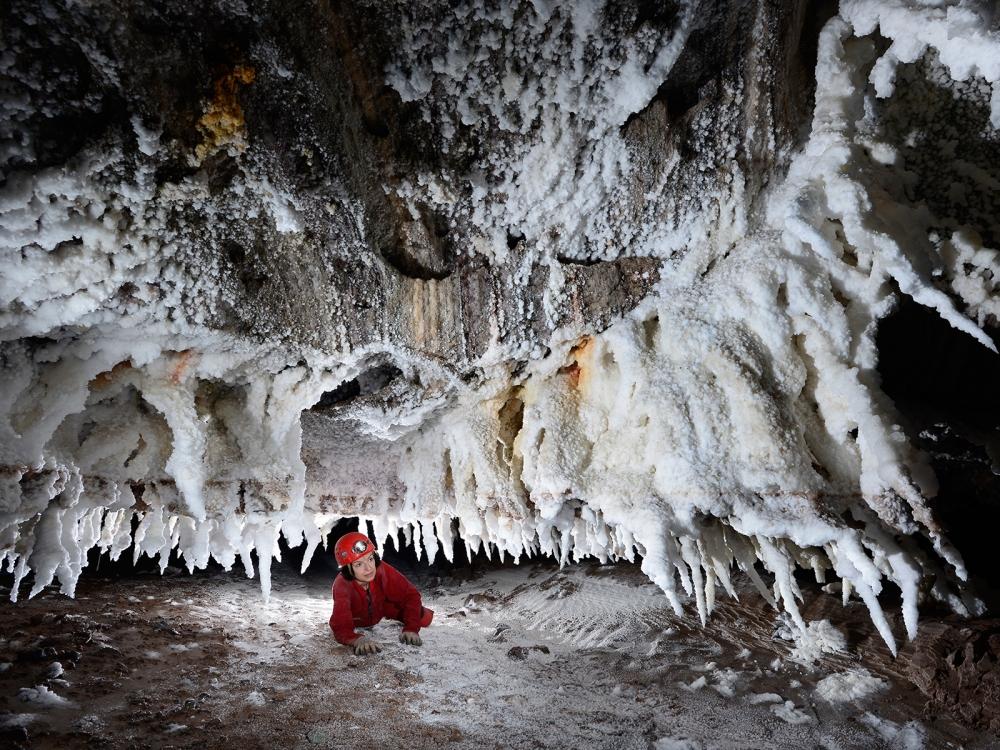 Соляные пещеры на острове Кешм