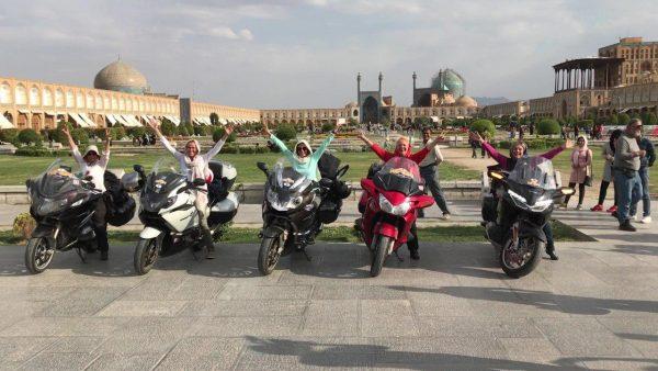 Париж рекомендует французским туристам посетить Иран